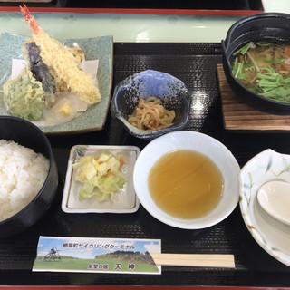 レストラン 岬 - 料理写真:すいとん定食  天ぷら