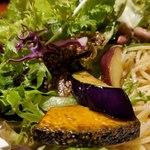 肉和食 肉バルダイニング 仙丹 - カボチャ、サツマイモ、ナス