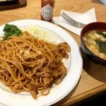 キッチン マロ - スパゲティナポリタン(750円)