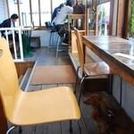 CAFE air - テラス席はペットOK