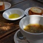CAFE air - ランチのパンとスープ
