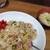 一膳めし 青木堂 - ピリ辛焼き飯とお味噌汁。