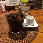 cafeロジウラのマタハリ春光乍洩 - セットのコーヒー
