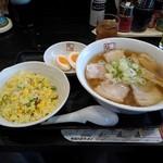 喜多方ラーメン 坂内 - 料理写真:坂内ラーメン半チャーハンセット