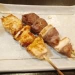 やきとりひびき  - 特選かしら串、鶏ねぎま串