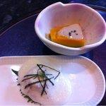 ゆう膳 咲くら - 前菜 かぼちゃにゴマと胡桃のドレッシングが掛かってます。お刺身にはトロロが(^^)