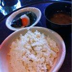 ゆう膳 咲くら - 味噌汁、鯛めしと香の物