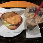 エクセルシオールカフェ - モーニングセットC・半熟タマゴとチーズほうれん草セット 420円