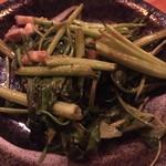 まーちぬ家 - 料理写真:うんちぇー(空芯菜)炒め