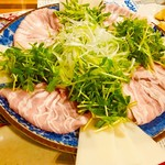 BROWN HORSE - 黄金スープの豚しゃぶ鍋