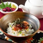 本格水炊きと博多もつ鍋 地鶏と九州料理 居酒屋 鳥邸 -