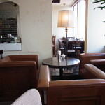 カフェ・トレド - 席と席の間隔は狭い