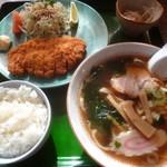 石田食堂 - 料理写真:'19/11/09 とんかつセット(税込970円)