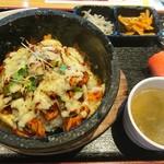 明洞クムデジ - 石焼チーズタッカルビ丼