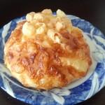 119378798 - サクサクチーズのお食事パン(164円)