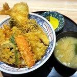 天丼 天たま家 - 料理写真:天丼 800円 お味噌汁 50円