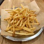 DINER&CAFE The GOLDEN☆HAMBURG - セットにつくポテトは2人分 細めで油っぽい