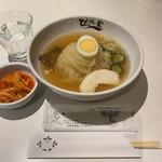 119385307 - 盛岡冷麺 辛味は別皿