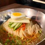 """焼肉ホルモン さかもっちゃん - """"あっさり韓国冷麺"""""""