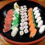 小料理幸月 - お寿司盛り合わせ