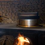 川田屋 - 薪でご飯を炊いてます。