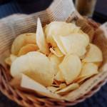ドウトンボリ リバー サイド ワンダー パブ - 料理写真:ポテチ