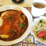 じゃがいも - きまぐれカレー(ビーフ野菜のトマト煮カレー+たまごカレー)900円