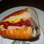 シュトゥーベン・オータマ - 料理写真:福生ドッグ