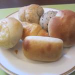 ベーカリーレストラン サンマルク - お替り自由パン