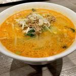 天津飯店 - 担々麺1078円