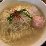 麺屋海神 - 料理写真:魚の出汁香る、マイルドな塩味