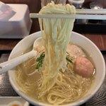 麺屋海神 - 料理写真:細麺ストレートだけど、かなりモチモチ。