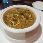萬珍樓 - 五目ふかひれスープ