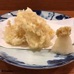 119436008 - 烏賊と玉蜀黍の天ぷら