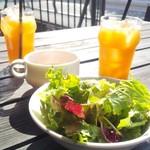 119438317 - サラダ、スープ、グレープフルーツジュース