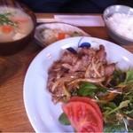 キッチンよい一日 - 豚汁と生姜焼き