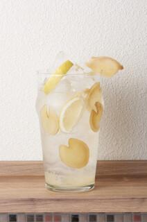しょうが焼きBaKa - オリジナルのレモンサワー(しょうがを可愛くカット)