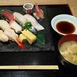 旬料 華勢 - 料理写真:握り八種盛り
