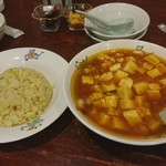 天龍 - 炒飯、麻婆豆腐麺、各600円