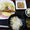 すぎの - 料理写真:納豆に冷や奴、味噌汁。大豆三兄弟