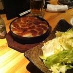11946321 - 鉄鍋餃子、キャベツ、ユズスコ