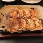 鉄なべ餃子ととんちゃん鍋 なべなべ -