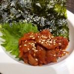市房食堂 - 料理写真:チャンジャと韓国のり