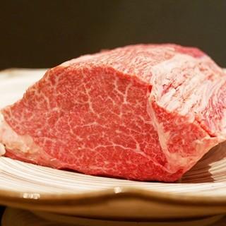 【柘榴】ヘレ肉は雌牛のみを厳選使用♬フォークで割ける柔らかさ