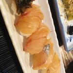 魚八亭 -