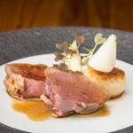 ル ピニョン - 料理写真:シャラン産鴨のロースト_酒粕焼きリゾット添え