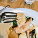 ミクニ マルノウチ - メイン(魚料理)/北海道産 銀聖(白鮭)  ソース/小笠原諸島 父島 島とう味噌仕立て