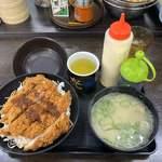資さんうどん - 料理写真:ソースチキンカツ丼@600+貝汁変更@110