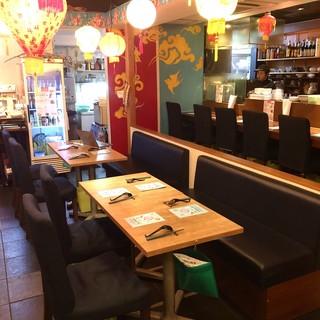店内に入るとそこは台湾。料理も空間も台湾に包まれます。