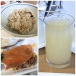 オールデイダイニング カメリア - ◆鮭の炊き込みご飯 ◆スモークサーモンをのせた「ちらし寿司」 ◆グレープフルーツジュース ◆食後にコーヒーを頂きました。